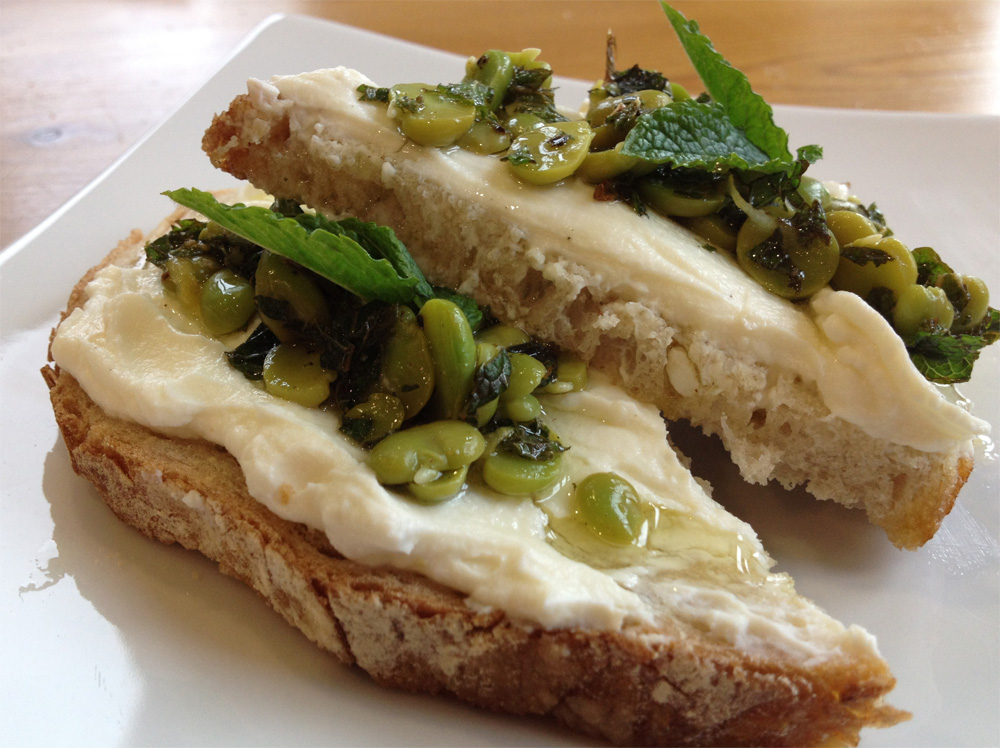 Broad bean and mint bruschette