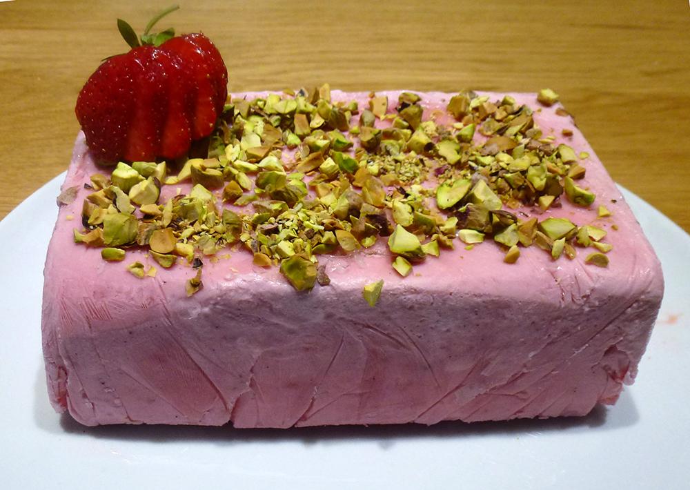 Frozen strawberry parfait recipe